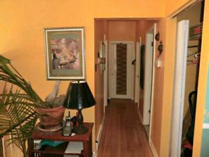 Jolie Chambre A Louer Maison Prive RIVESUD 400$m 438-738-4552