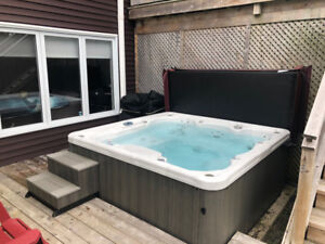 MARQUIS HOT TUB E SERIES 545 IN EXCELLENT CONDITION