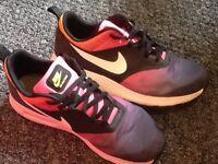 Nike Air Max Tavas uk size 7 1/2