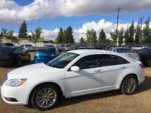 2013 CHRYSLER 200 WITH ONLY 39000KMS, IMMACULATE SHAPE!