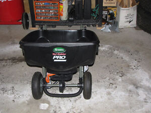 Scott Turf Builder Pro Spreader