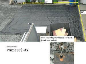 Rideau noir pour séparation d'entrepôts (toile)