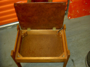 1950 Classic Clothes Horse  with Drawer to store items West Island Greater Montréal image 2