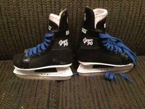 Size 11 CCM Kids Hockey Skates