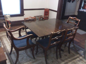 10  PIECE SOLID MAHOGANY DINNING SET