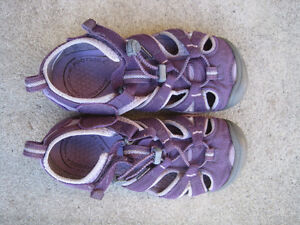 Keen Seaport Sandals - Girls Size 13 - Great condition!