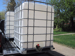 LOOK > Clean, Used Water Tanks, Plastic, Square, 1000L & 1250L