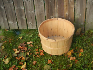 bushel baskets Kitchener / Waterloo Kitchener Area image 1