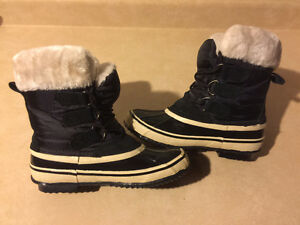 Kids Joe Fresh Winter Boots Size 7