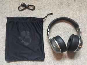SKULL CANDY HESH 2 bluetooth wireless headphone. brand new