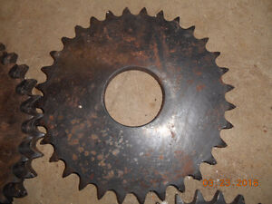 few diff metal gears and roller chain Kitchener / Waterloo Kitchener Area image 3