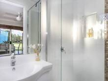 Beautifully renovated 4 Bedroom home with breathtaking views Windaroo Logan Area Preview