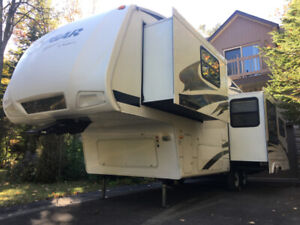 ROULOTTE  29' COUGAR  *** COMME NEUF!***   $9950