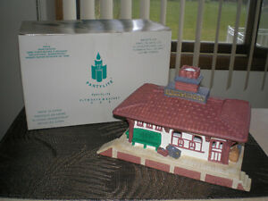 """FIRST $70  ~  VINTAGE PARTYLITE """" WHISTLE SHOP """" TRAIN STATION ~"""