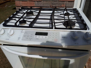 Kenmore Elite Stove (Duel fuel)  White