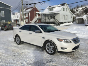 Ford Taurus AWD 2011 Limited IMPECCABLE