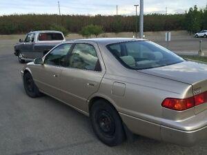 2001 Toyota Camry Sedan 2.2  $3400 (403)700-8368
