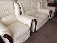 CREAM LEATHER SUIT ** 2+1+1 ** Free Delivery ** Good Condition ** £100