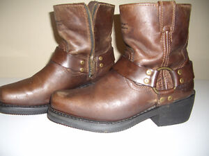 Womens Harly Davidson boots size 7.5