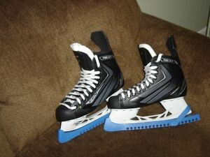Skates Men's Size 8 (equivalent to size 9.5 shoe)