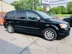 Chrysler Town - Country 7 Passagers-Camera-DVD-Bluetooth-Jamais