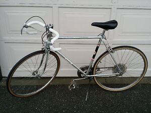 RARE VINTAGE MADE IN FRANCE GARIN 10 SPEED ROAD BIKE