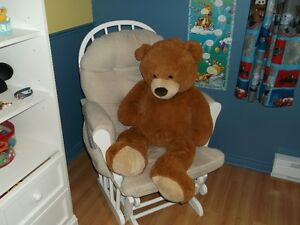 Baby Rocking Chair with foot rest / Chaise bercante pour bébé