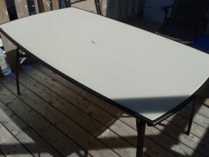 Patio Table. Perfect condition.