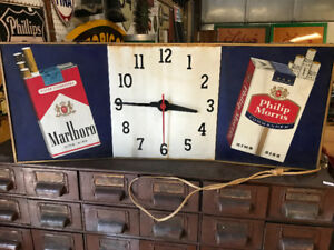 2  MARLBORO PHILIP MORRIS PARLIAMENT CIGARETTE CLOCK DISPLAYS