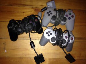 Extra Ps2 Controllers