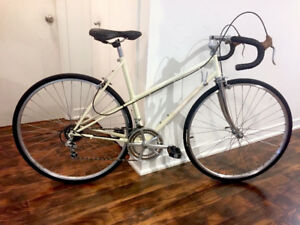 Beautiful Bianchi ChroMo Mixte touring bike, excellent condition