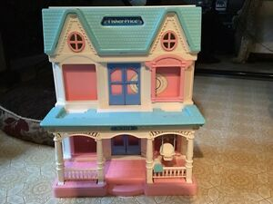 Vintage Fisher Price Doll House!