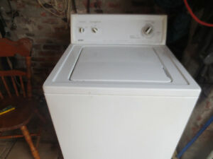super capacity washer    //  roper  by  whirlpool corp,,