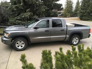 2008 Dodge Dakota Black Pickup Truck