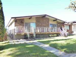 PRIME INVESTMENT PROPERTY - FULL DUPLEX - CENTRAL LOCATION!