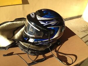 Snowmobile helmet  with heated shield        TEXT ONLY