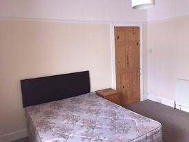 Student room available now