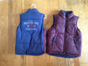 GAP downfilled vest; 4T in perfect condition