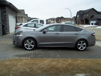 Only 9,800 kms !!!! 2013 Ford Fusion SE Sedan