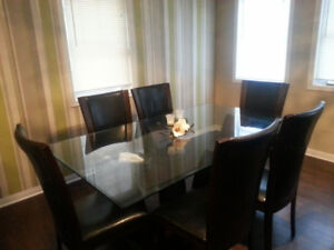 Dining Table Set For SALE !!!! Great Condition !!!