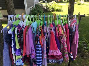 Vente de vêtements fille 0-4 ans à la pièce où en lot