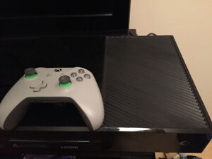 Xbox 1S 500gb + controller& multiple games 300obo