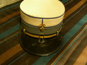 Collection casquette,képi de police,,voir 4 photos annexées