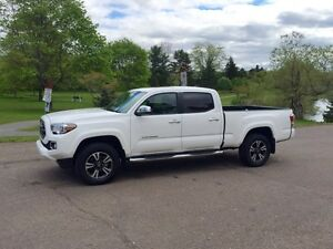 2016 Toyota Tacoma - Limited Edition (Alberta truck)