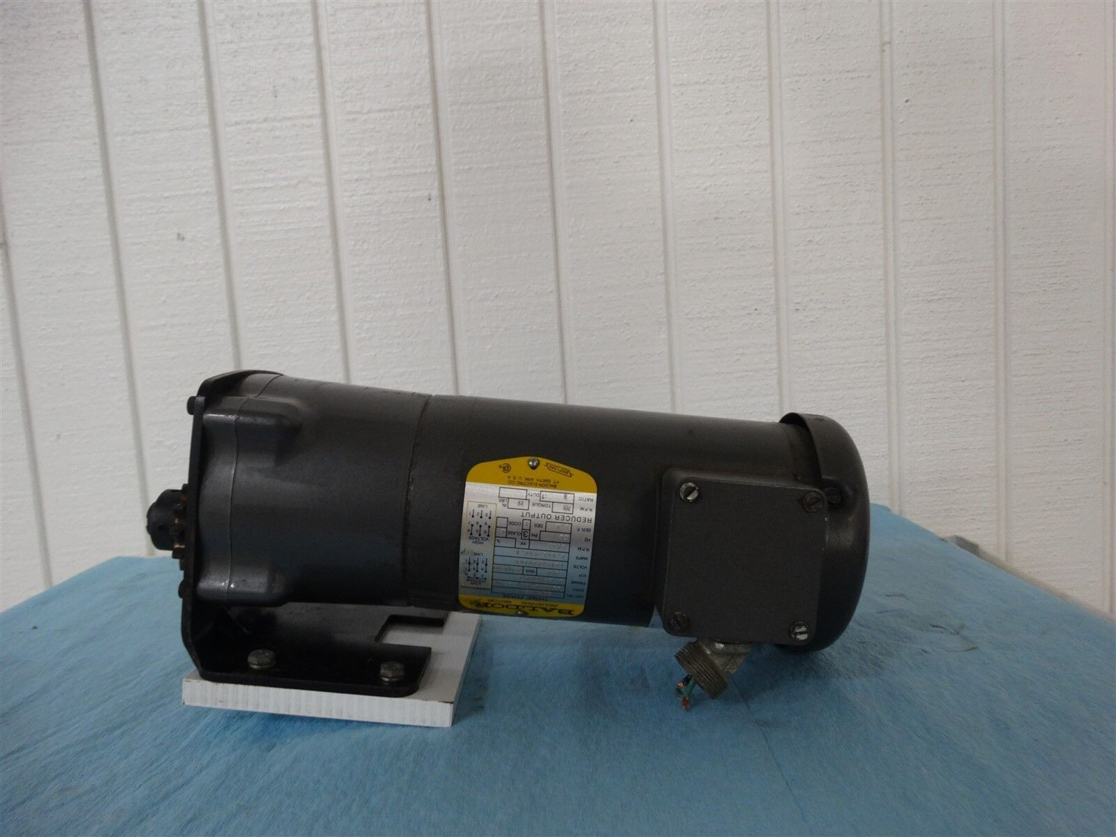 Baldor GMP3338 FR:320-PSLA-1 208-230/460V 3PH 5:1 1/3HP 60HZ 1.4-1.43/.1A 345RPM
