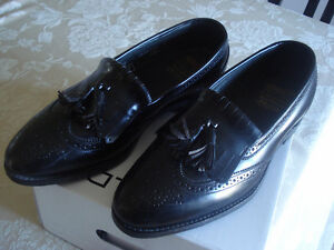 BRAND  NEW ITALY LEATHER SHOES SIZE 9 1/2