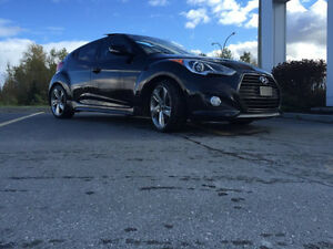 Location seulement 1 an Hyunday Veloster Turbo 2015!
