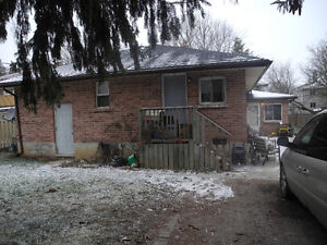 OLD SOUTH TRIPLEX MAIN LEVEL 3 BEDROOMS WEST OF WHARNCLIFFE Rd