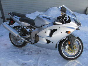ZZR600 - Must See - Low Milage, Factory Condition