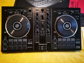 Pioneer DDJ-RB Portable DJ Controller.